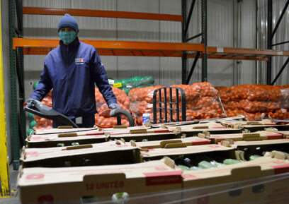 Sorting food in the warehouse